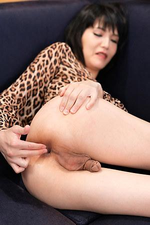 Yoko Anal Fingering