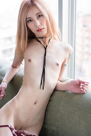 Chulin Nakazawa showing off her slender body
